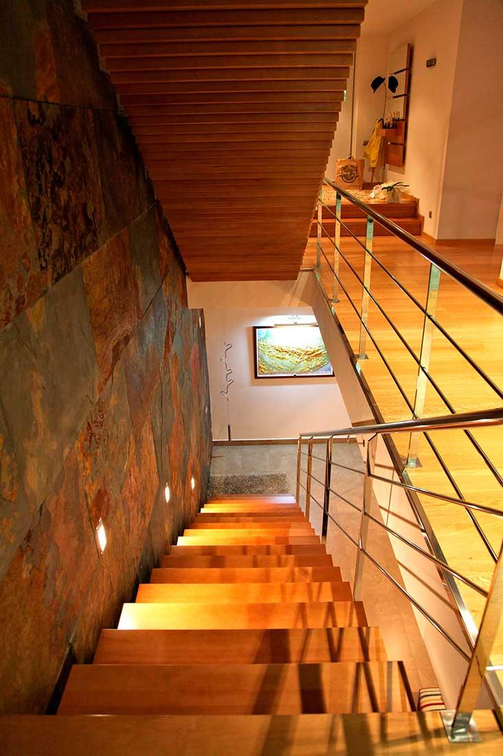 Detalles construccivos de la escalera interior