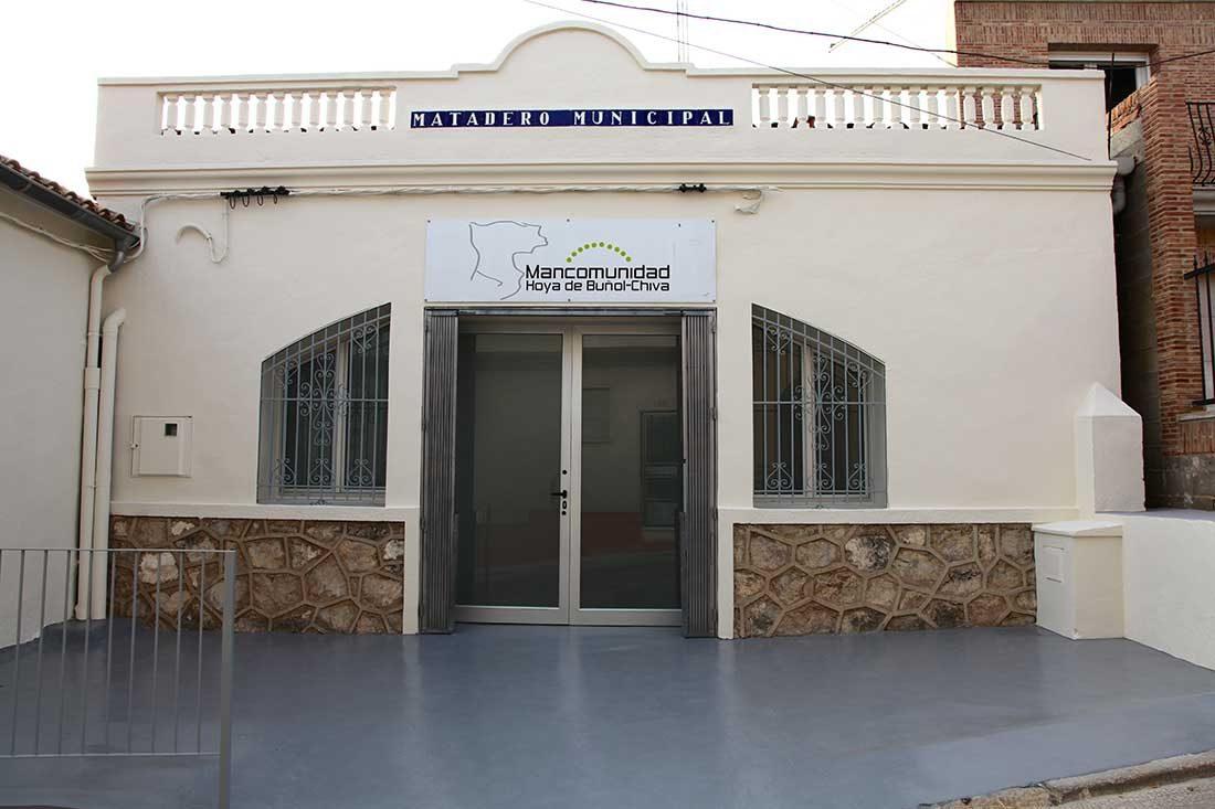Vista exterior rehabilitación matadero municipal Yátova